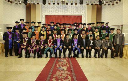 UMSU Wisuda Kapoldasu dan Walikota Medan